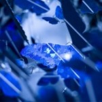 Close-Up-View-of-Beautiful-Sapphire-Blue-Chandelier-by-Demakersvan-600x399